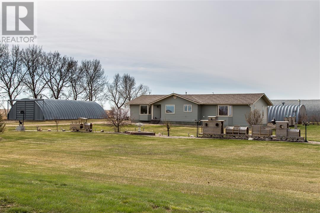 Low's Acreage, Moose Jaw Rm No. 161, Saskatchewan  S6H 4R3 - Photo 4 - SK720373
