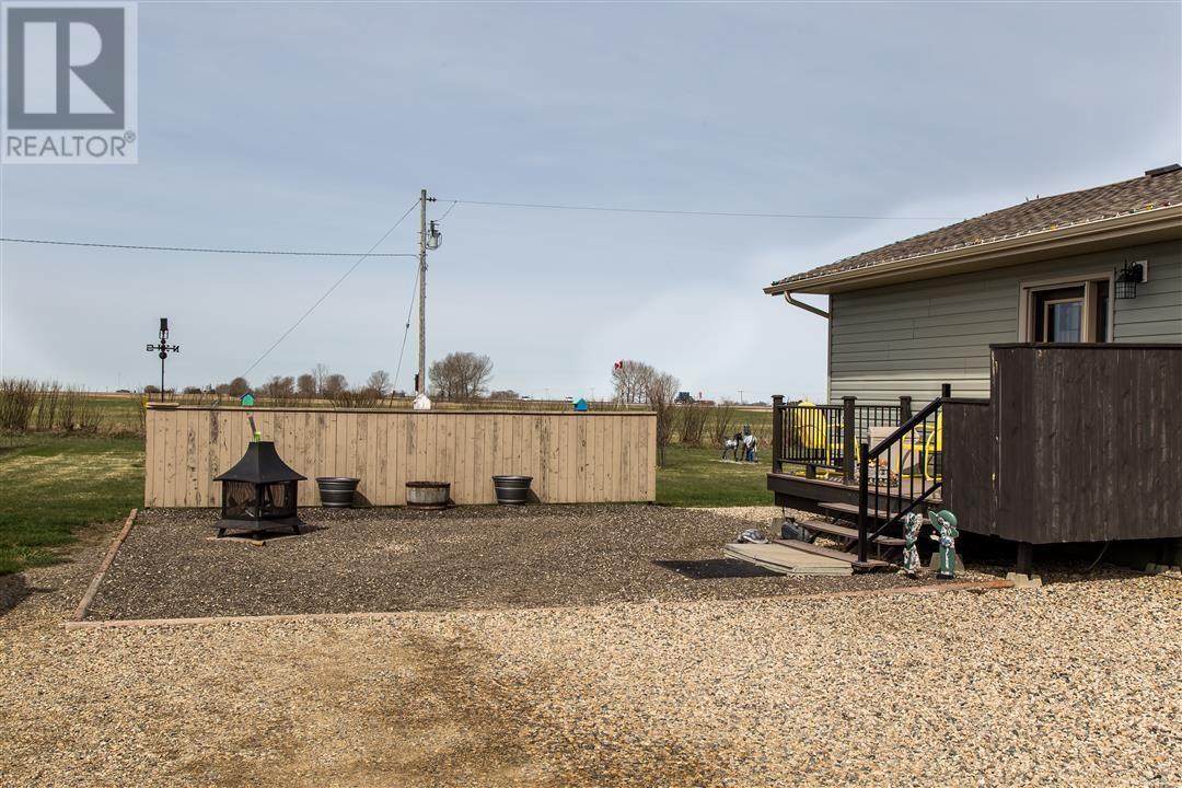 Low's Acreage, Moose Jaw Rm No. 161, Saskatchewan  S6H 4R3 - Photo 6 - SK720373