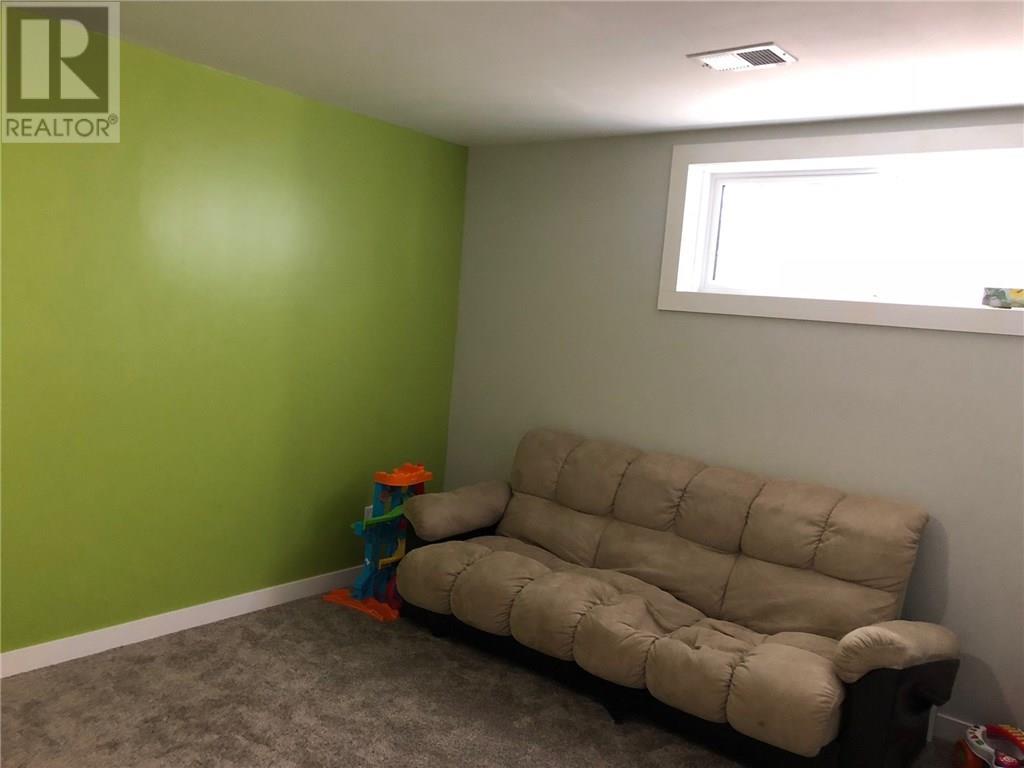 5233 Campling Ave, Regina, Saskatchewan  S4W 0L6 - Photo 15 - SK720392