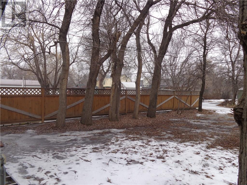 419 5th Ave E, Assiniboia, Saskatchewan  S0H 0B0 - Photo 21 - SK719995