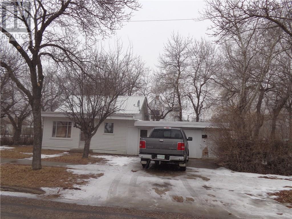 419 5th Ave E, Assiniboia, Saskatchewan  S0H 0B0 - Photo 24 - SK719995