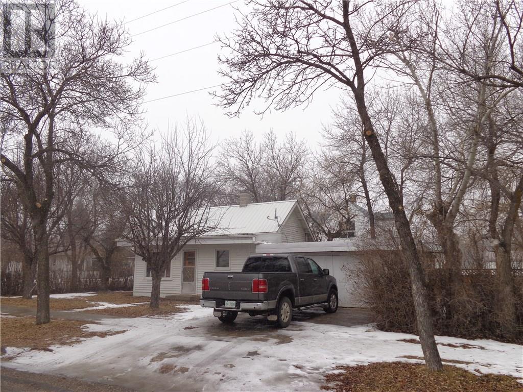 419 5th Ave E, Assiniboia, Saskatchewan  S0H 0B0 - Photo 25 - SK719995