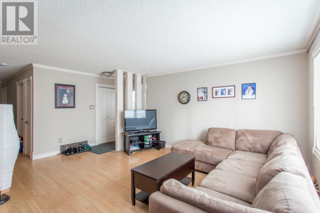450 Forget St, Regina, Saskatchewan  S4R 4X9 - Photo 2 - SK720611