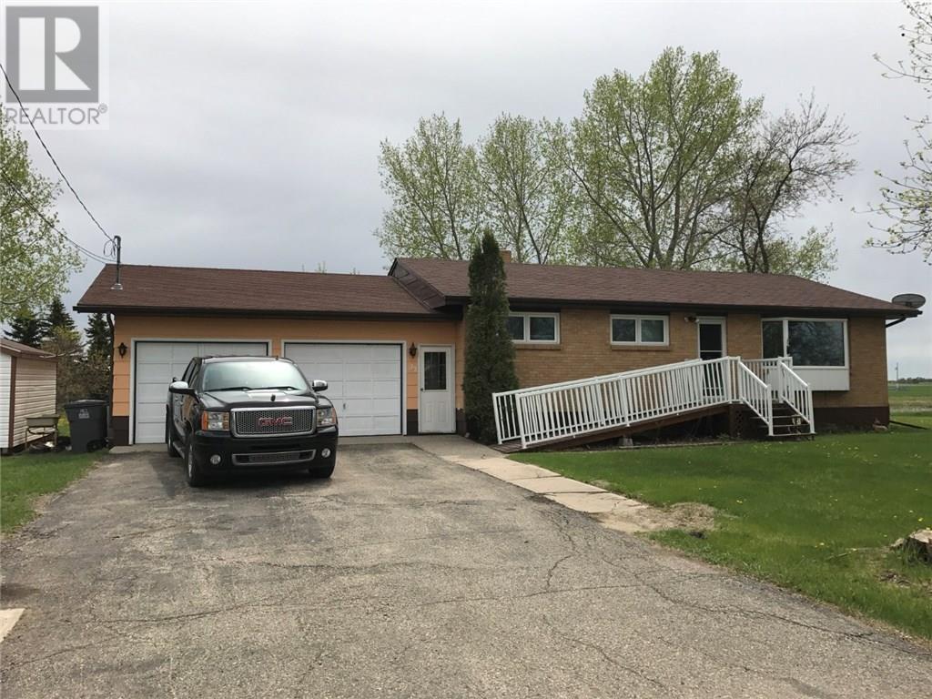 312 Second Ave, Alameda, Saskatchewan  S0C 0A0 - Photo 4 - SK720715