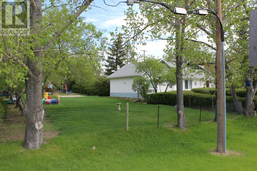 119 1st Ave E, Climax, Saskatchewan  S0N 0N0 - Photo 36 - SK720713