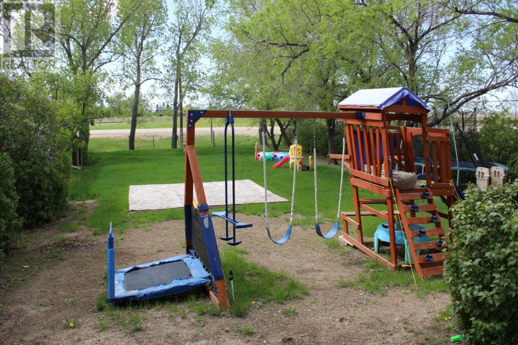 119 1st Ave E, Climax, Saskatchewan  S0N 0N0 - Photo 48 - SK720713