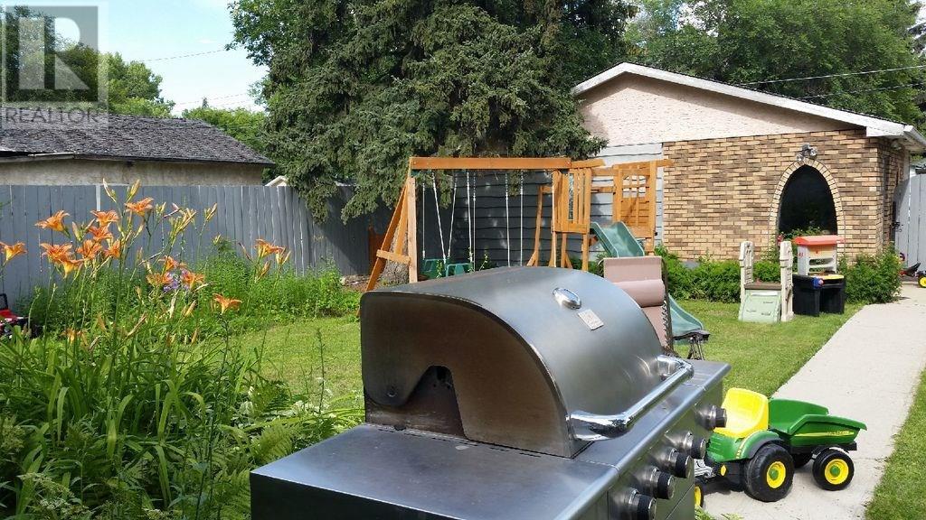 649 Arthur St, Regina, Saskatchewan  S4T 4V3 - Photo 12 - SK722408