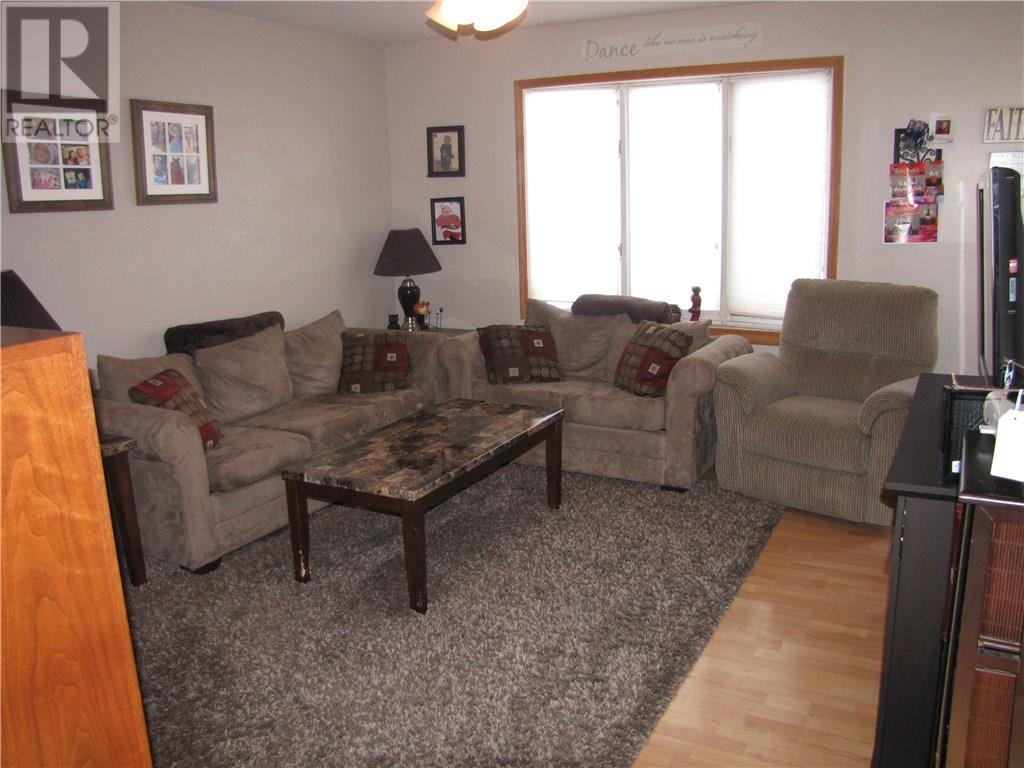 649 Arthur St, Regina, Saskatchewan  S4T 4V3 - Photo 2 - SK722408