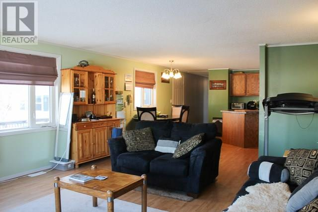 212 Park Ave, North Portal, Saskatchewan  S0C 1W0 - Photo 11 - SK713650