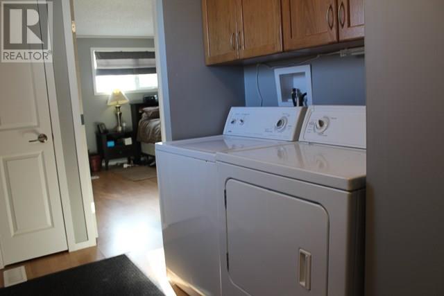 212 Park Ave, North Portal, Saskatchewan  S0C 1W0 - Photo 12 - SK713650