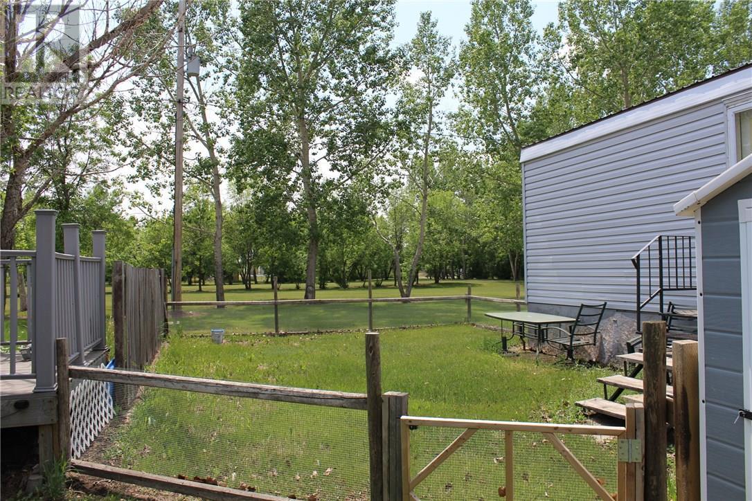 212 Park Ave, North Portal, Saskatchewan  S0C 1W0 - Photo 28 - SK713650