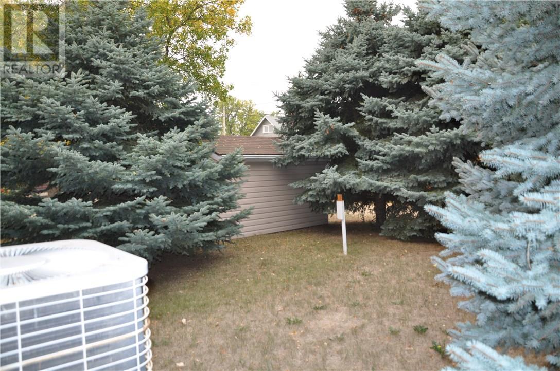 411 Edwards St, Weyburn, Saskatchewan  S4H 1H7 - Photo 37 - SK722811