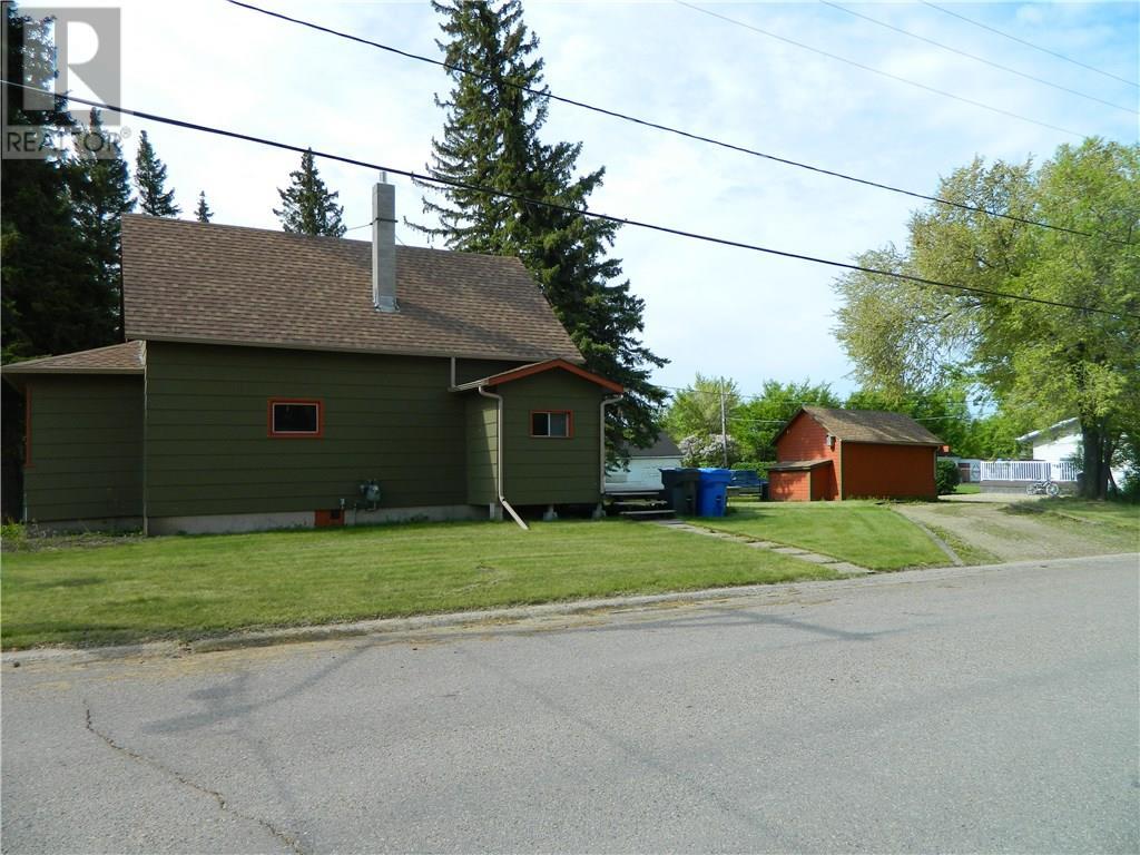 409 Second St N, Langenburg, Saskatchewan  S0A 2A0 - Photo 2 - SK723049