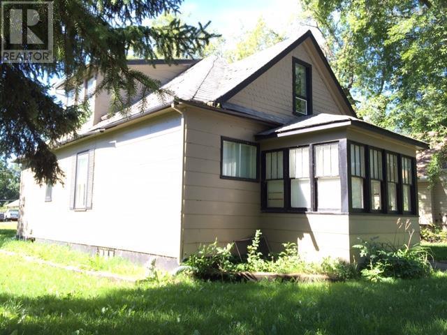 327/333 6th Ave E, Melville, Saskatchewan  S0A 2P0 - Photo 1 - SK723099