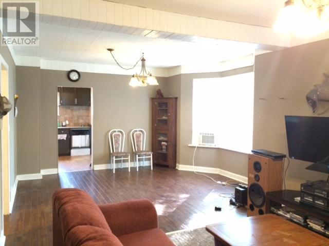 327/333 6th Ave E, Melville, Saskatchewan  S0A 2P0 - Photo 4 - SK723099