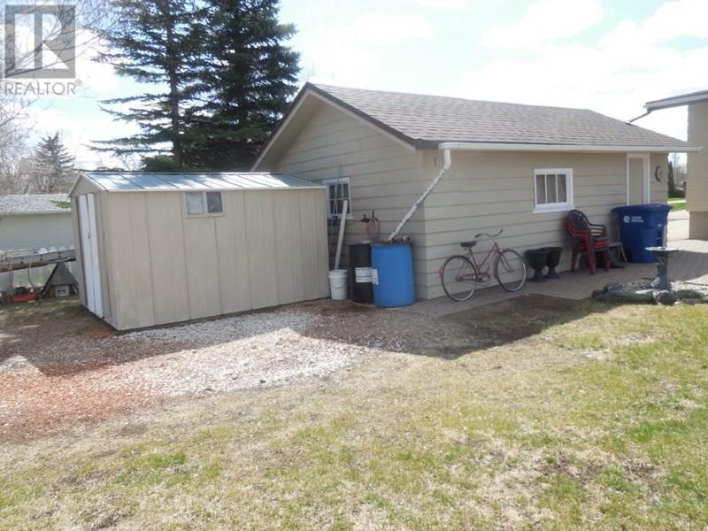 105 Empire Pl, Assiniboia, Saskatchewan  S0H 0B0 - Photo 5 - SK723199