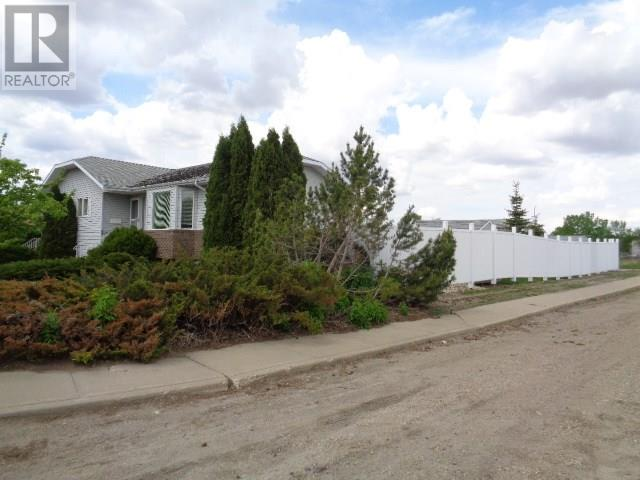 5802 Mckinley Ave, Regina, Saskatchewan  S4T 6P3 - Photo 3 - SK723261