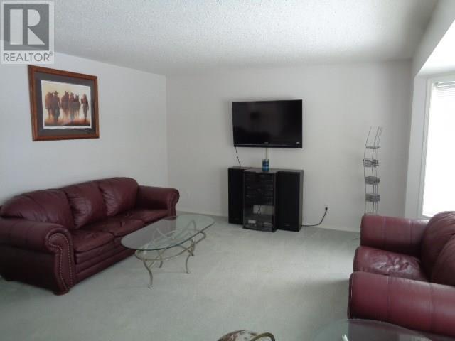 5802 Mckinley Ave, Regina, Saskatchewan  S4T 6P3 - Photo 4 - SK723261