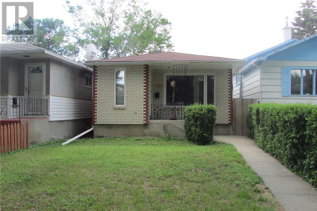 1244 Garnet St, Regina, Saskatchewan  S4T 2V2 - Photo 1 - SK723632