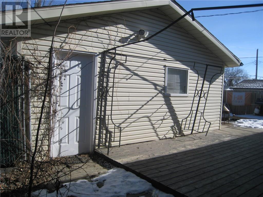 1341 Lacon St, Regina, Saskatchewan  S4N 1Y8 - Photo 2 - SK723672
