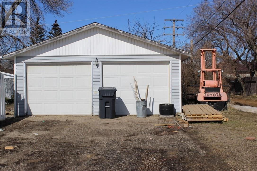 618 3rd St Se, Weyburn, Saskatchewan  S4H 2E1 - Photo 27 - SK723923