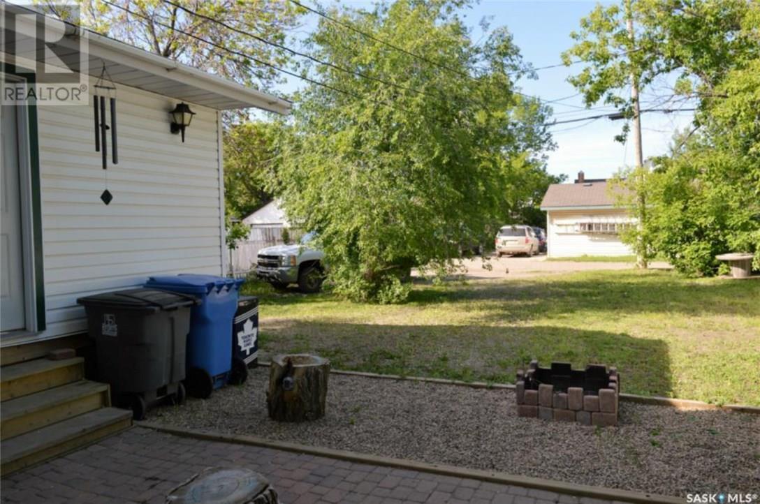 825 2nd St, Estevan, Saskatchewan  S4A 0L1 - Photo 30 - SK723919