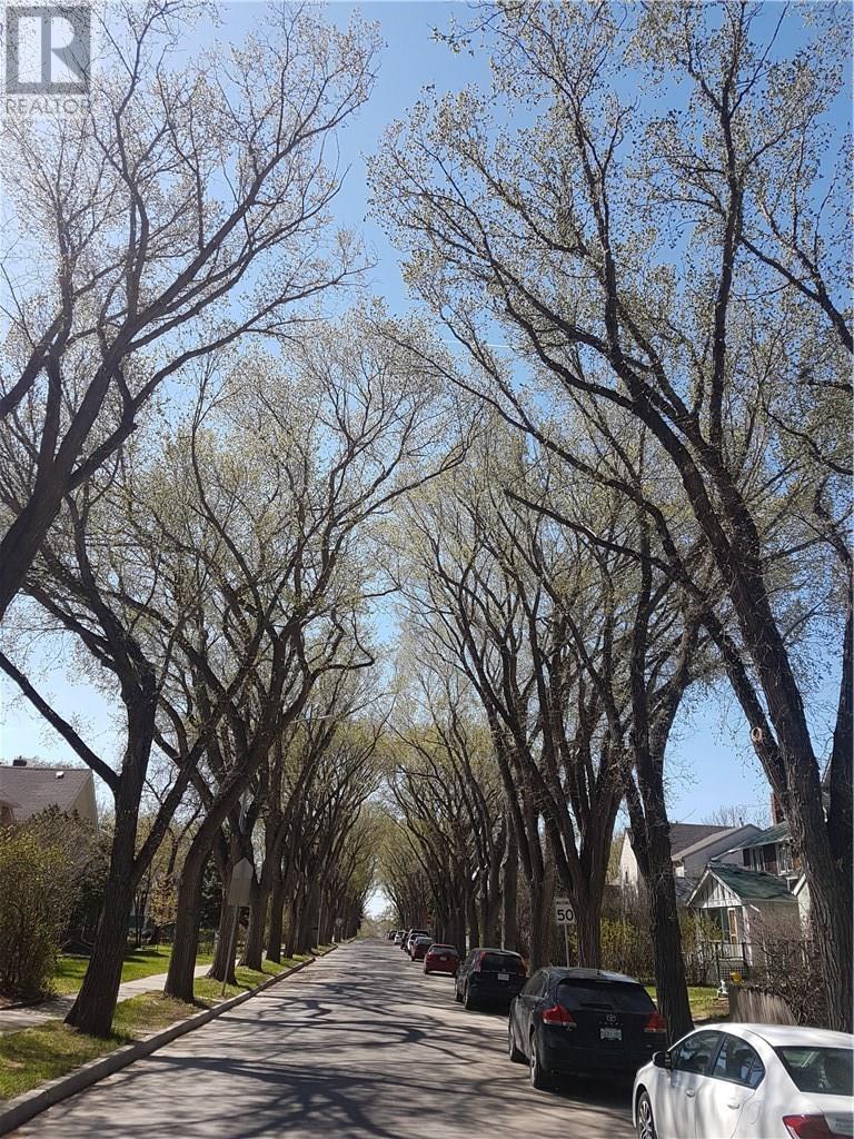 2235 Garnet St, Regina, Saskatchewan  S4T 3A1 - Photo 2 - SK724562