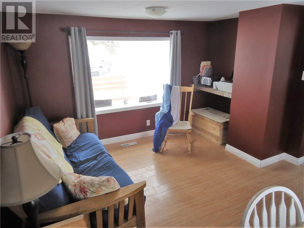 521 1st Ave E, Lampman, Saskatchewan  S0C 1N0 - Photo 9 - SK724559