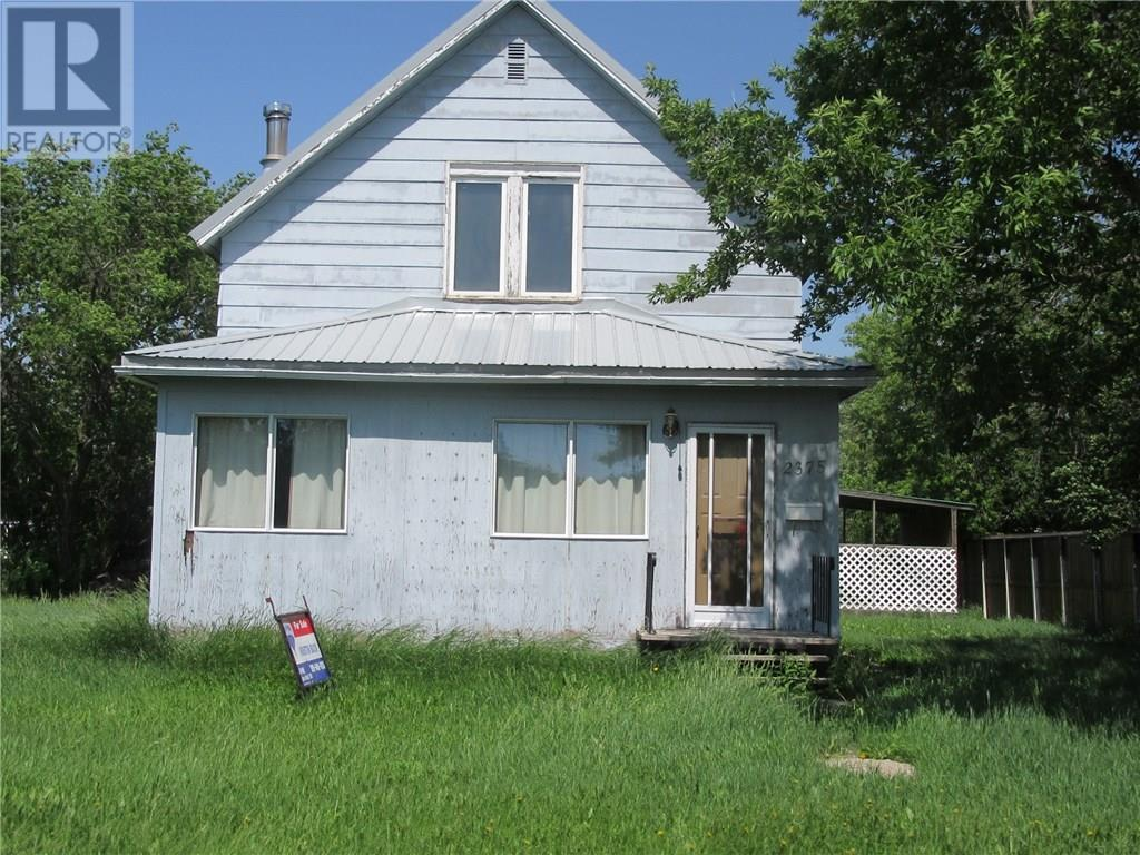 2375 White St, Halbrite, Saskatchewan  S0C 1H0 - Photo 1 - SK724064