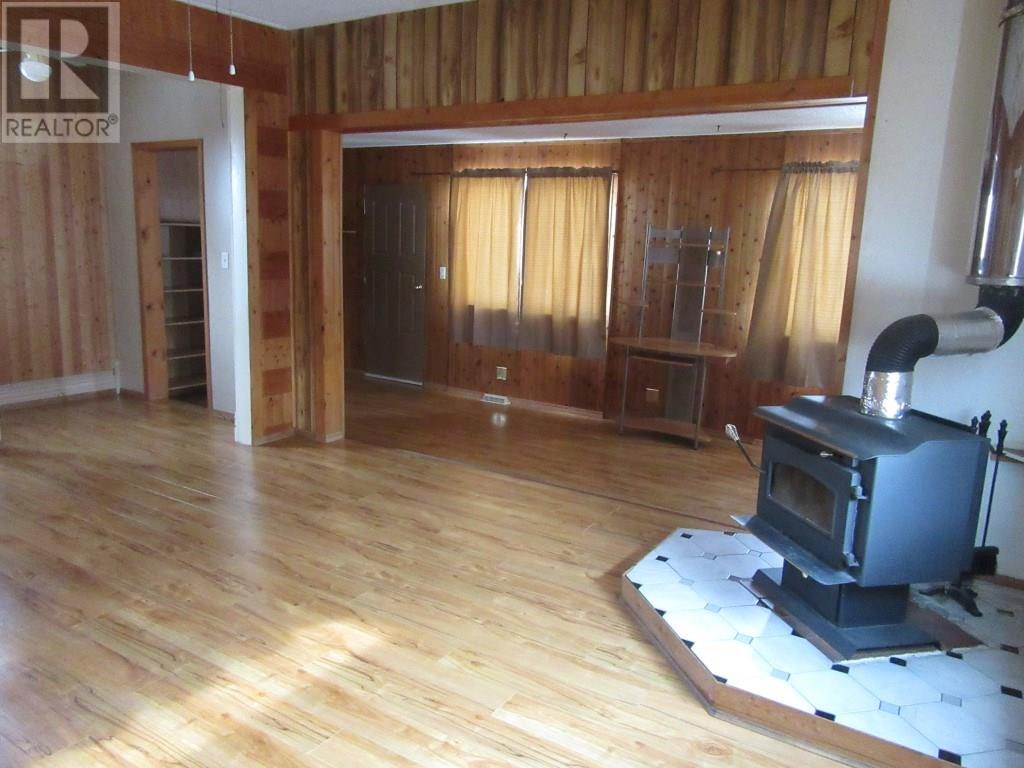 2375 White St, Halbrite, Saskatchewan  S0C 1H0 - Photo 9 - SK724064