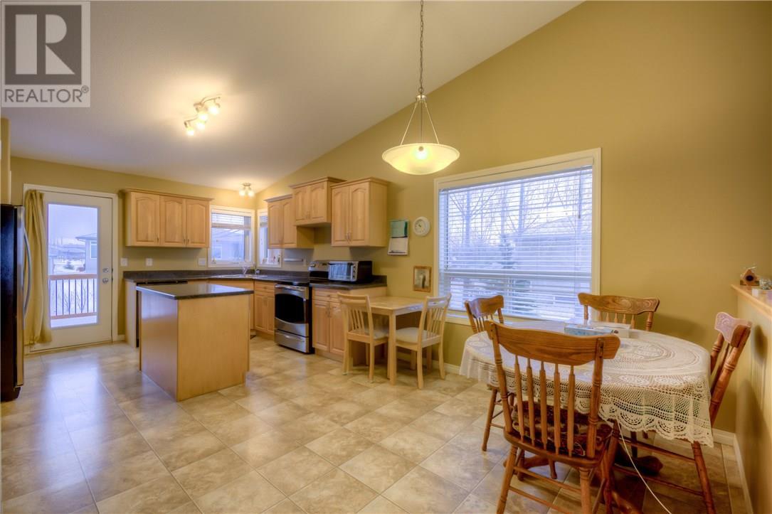 136 Meadow Rd, White City, Saskatchewan  S4L 0A2 - Photo 9 - SK724573