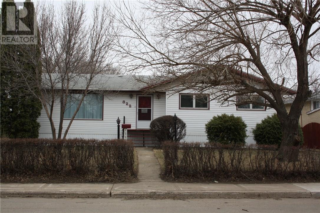 822 Edward St, Estevan, Saskatchewan  S4A 1S5 - Photo 1 - SK725964