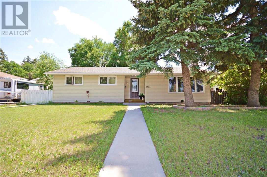 1065 Grace St, Moose Jaw, Saskatchewan  S6H 3C2 - Photo 1 - SK726178