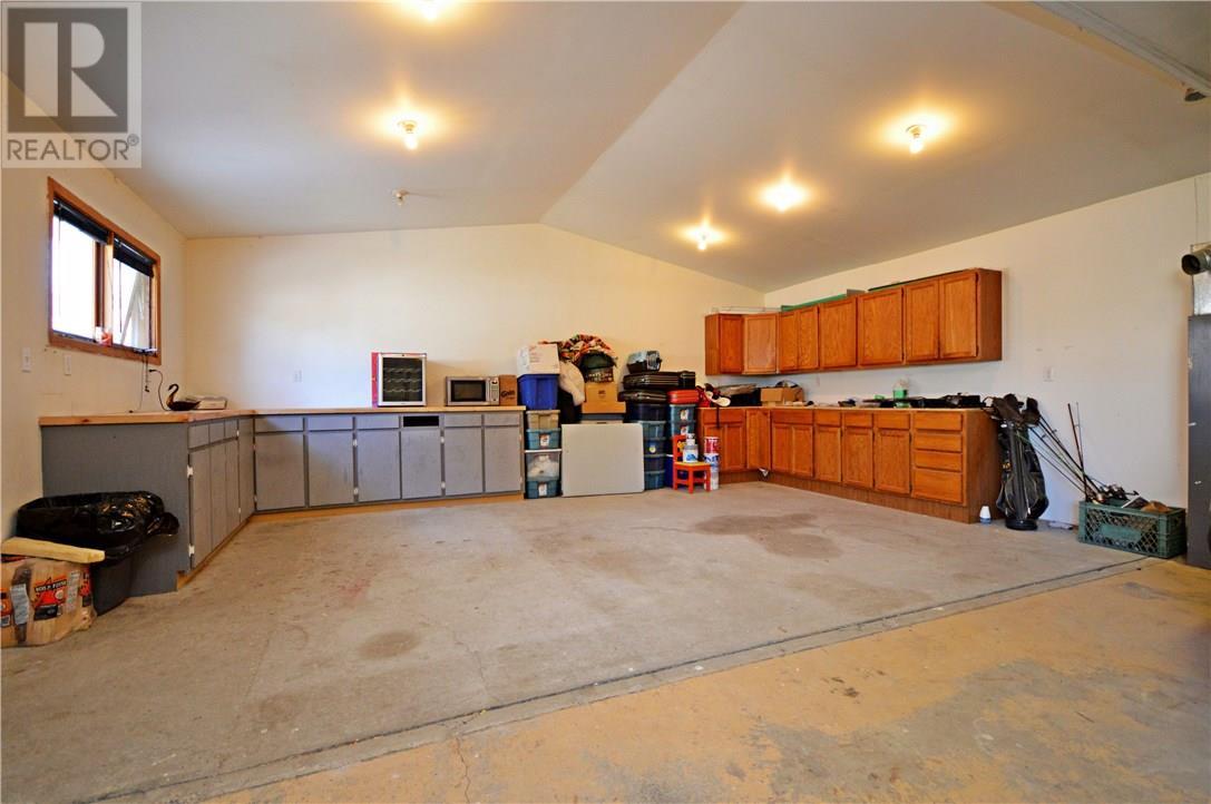 1065 Grace St, Moose Jaw, Saskatchewan  S6H 3C2 - Photo 46 - SK726178