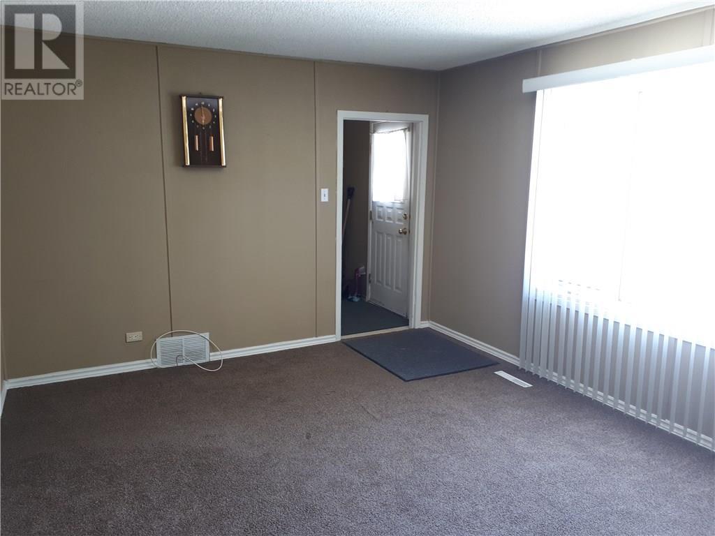 44 Ingersoll Cres, Regina, Saskatchewan  S4T 5Z1 - Photo 4 - SK725962